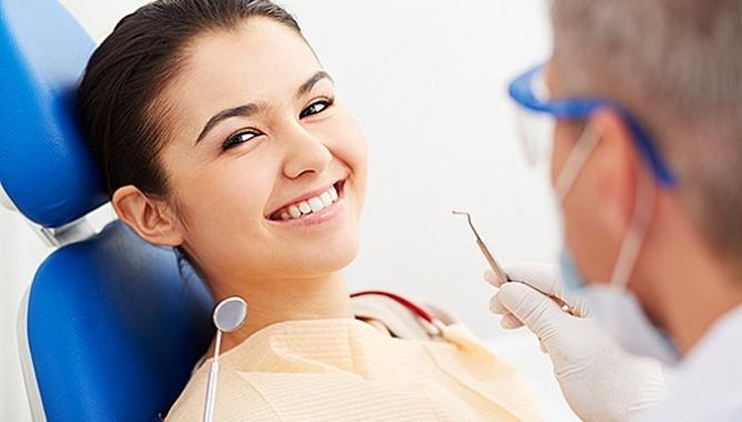 Дентикюр в стоматологии: профессиональная чистка зубов